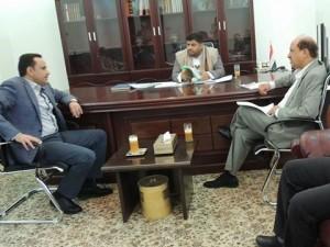 رئيس اللجنة الثورية العليا محمد علي الحوثي يلتقي القائم بأعمال وزارة النفط ومدير شركة الغاز