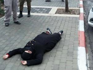 استشهاد فلسطينية على يد القوات الاسرائيلية بزعم محاولة طعن جندي إسرائيلي في قلقيلية