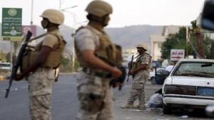 القوات الاماراتية والسعودية والسودانية تعلن انها ستتولى زمام الامور ميدانيا في عدن وتهدد بحملة عسكرية ضد الحراك الجنوبي ومرتزقتها الخارجين عليها