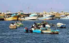 العدوان يشن غارات على مجمع الصيادين بالخوخة بالحديدة وسقوط اصابات
