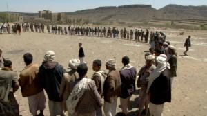 صور أبناء بيت نعم ووادي ظهر بصنعاء يسيرون قافلة دعما لأبطال الجيش واللجان الشعبية