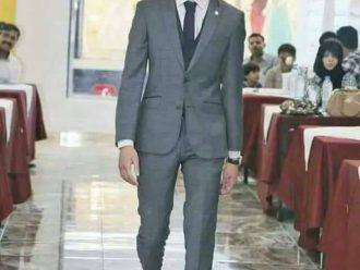 عرض أزياء مخزِ وفاضح في أحد متاجر العاصمة بحضور رجال ونساء ومواطنون هذه اعمال سخيفة وبعيدة عن اعراف وأخلاق اليمنيين